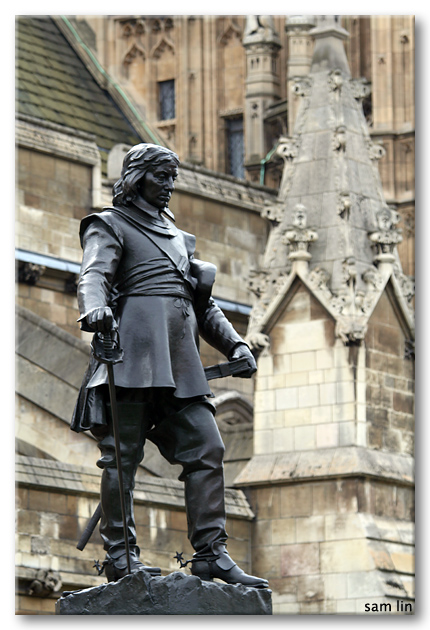 Palace of Westminster statue
